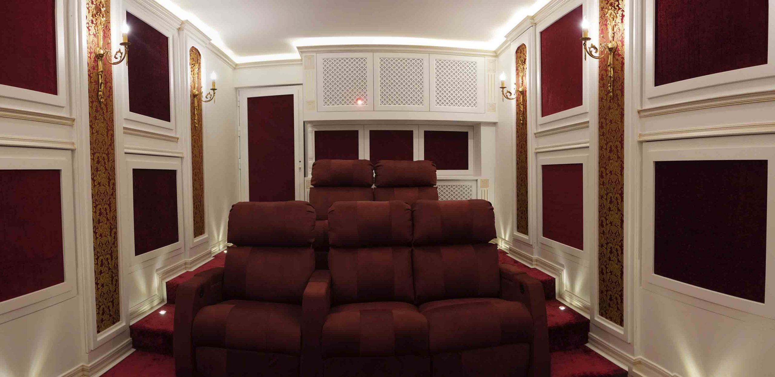 سینمای خانگی خصوصی در ویلای لواسان