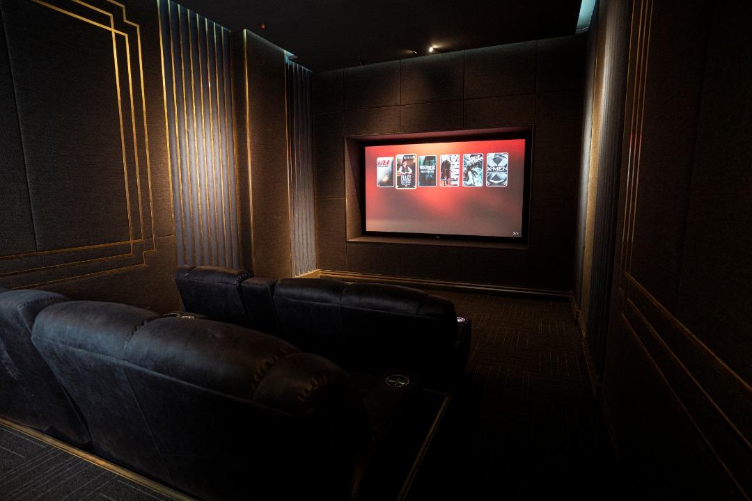 افتتاحیه سینمای خصوصی برج آوانگارد ولنجک