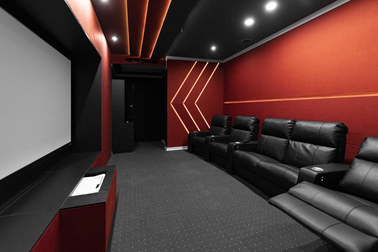 پروژهی سینمای خانگی شکوفه
