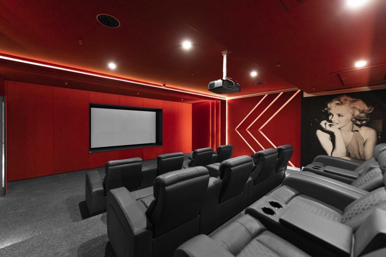 پروژهی سینما خانگی در ولنجک
